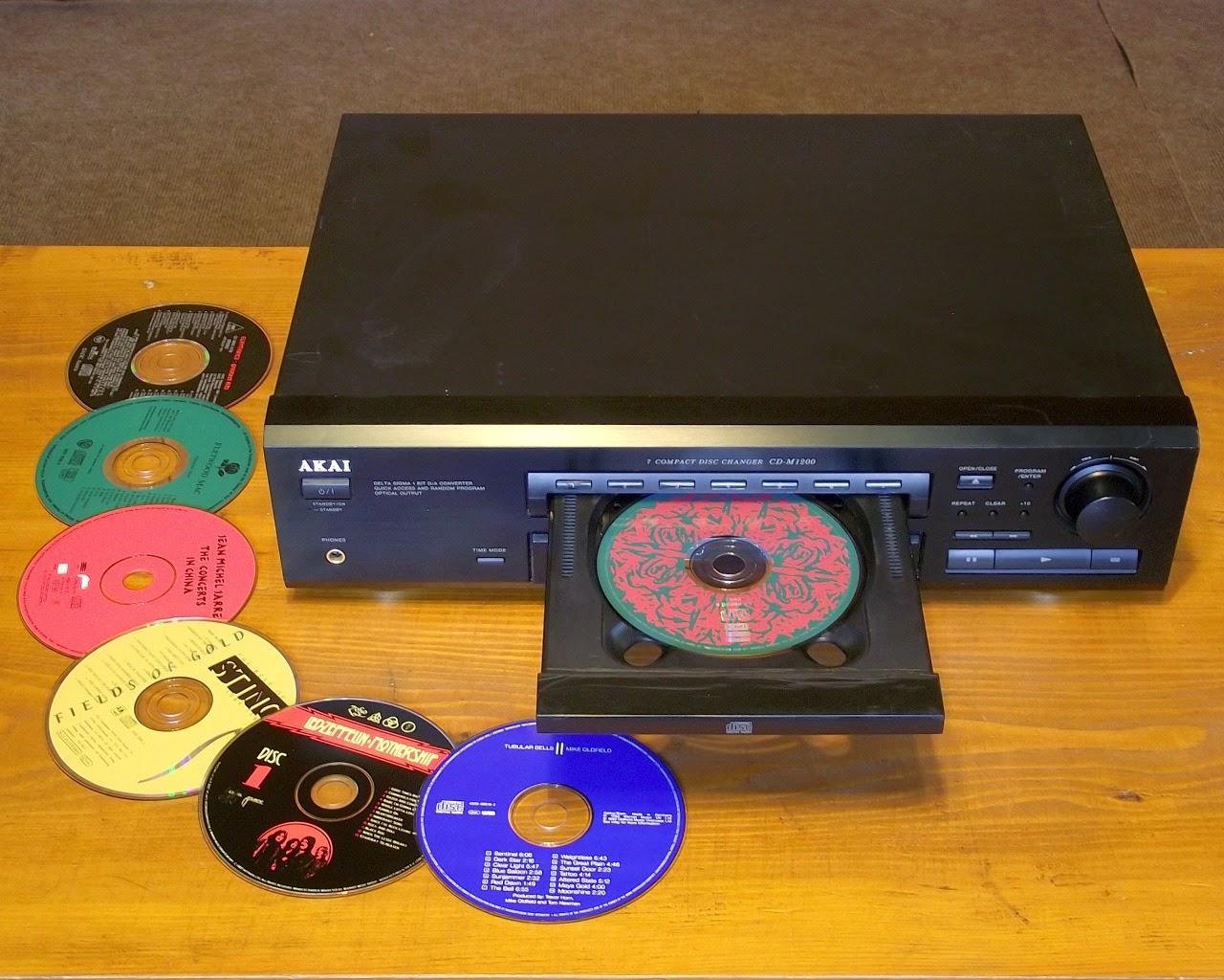 AKAI CD-M1200