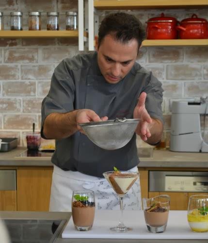 Συνταγές από τον Pastry Chef Δημήτρη Χρονοπουλο.