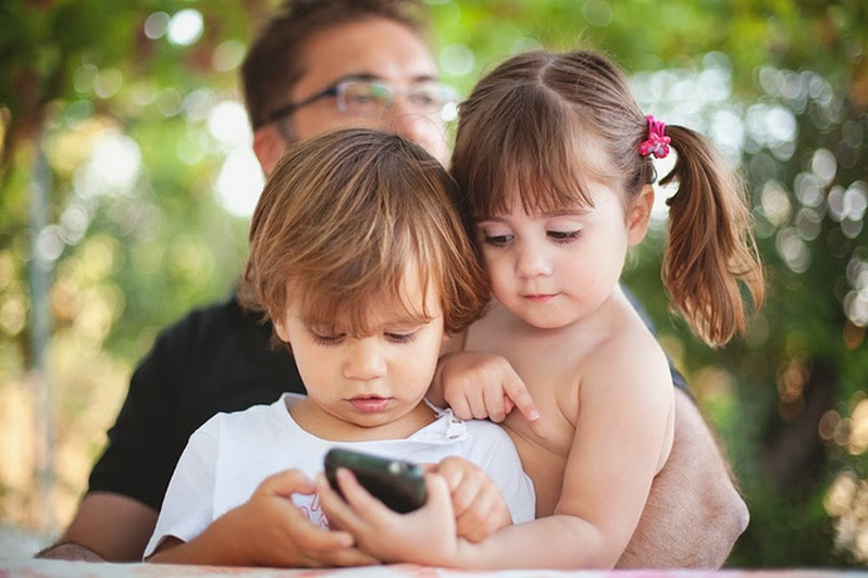 Should You Give Your Child a Smartphone?