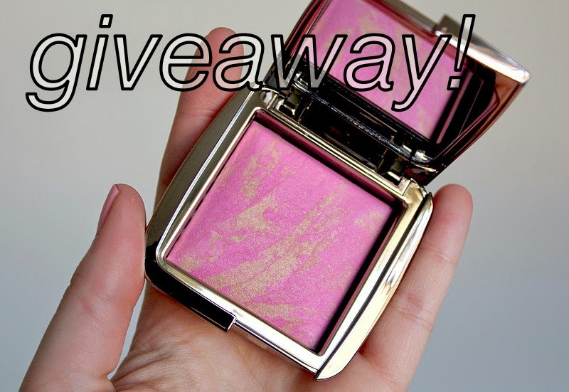1000 Bloglovin' Followers Giveaway - win an Hourglass Ambient Lighting Blush of your choice!