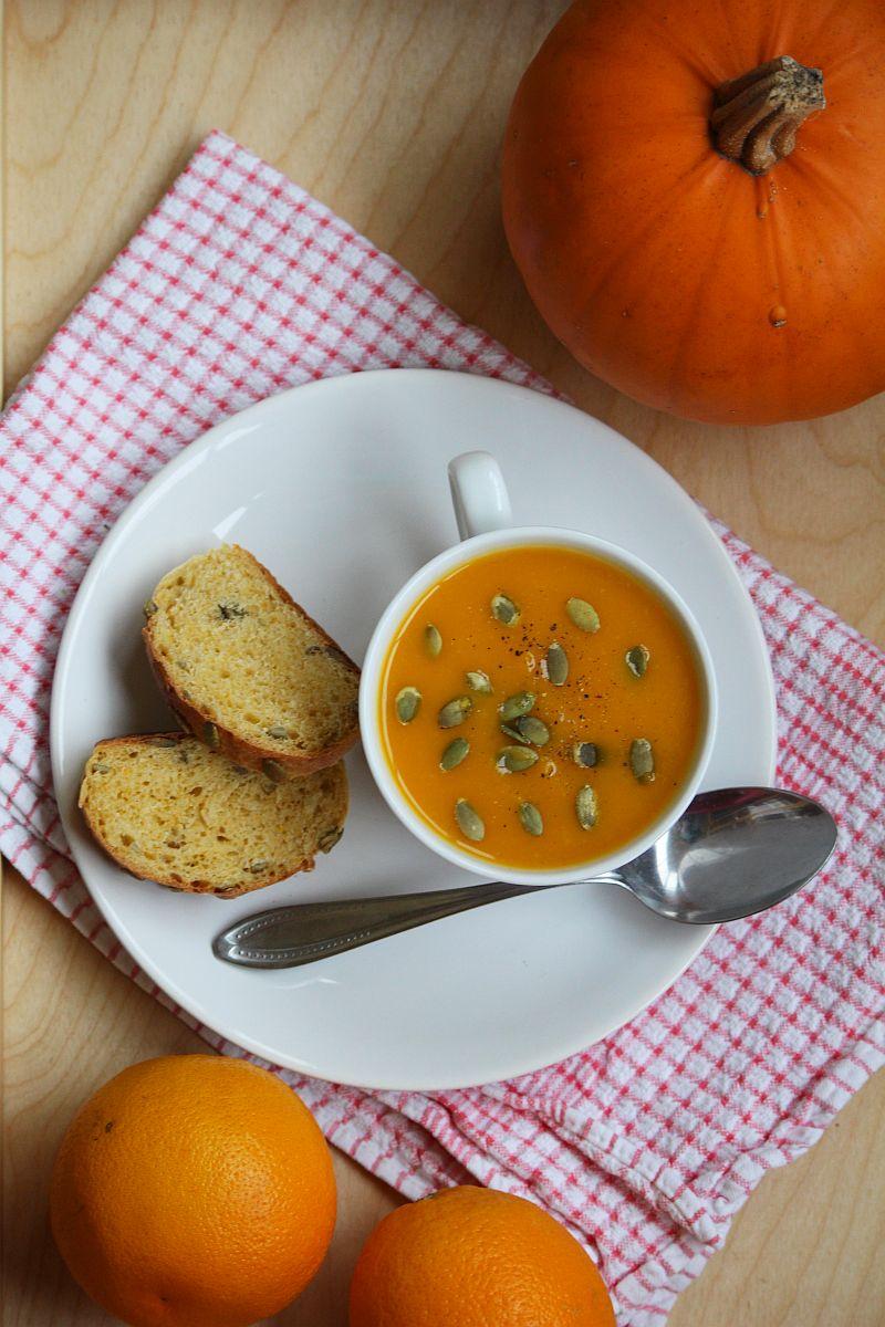 Zupa z pieczonej dyni z pomarańczą