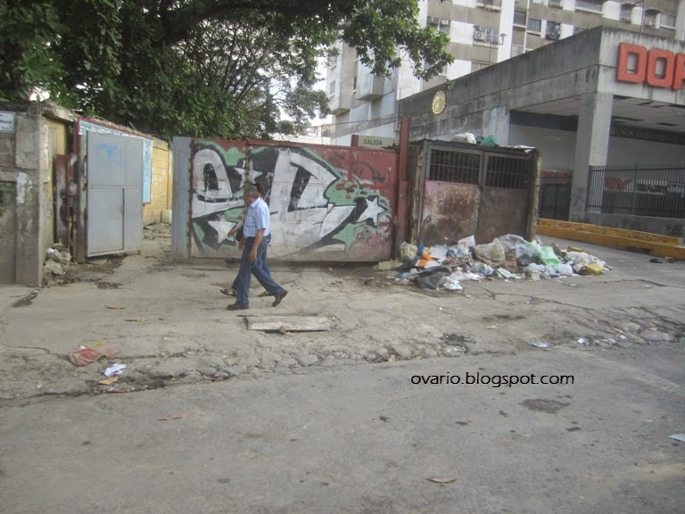Luego de 16 años de revolución Caracas y la Guaria lucen muy mal  IMG_9615