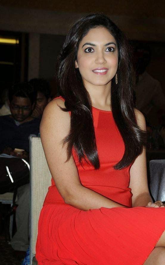 Ritu Varma At Memu Saitham Stars Cricket Curtain Raiser Press Meet