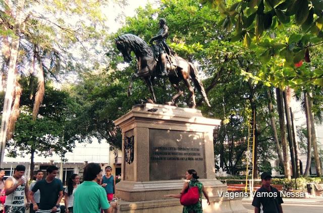 Estátua de Simón Bolívar na praça do mesmo nome