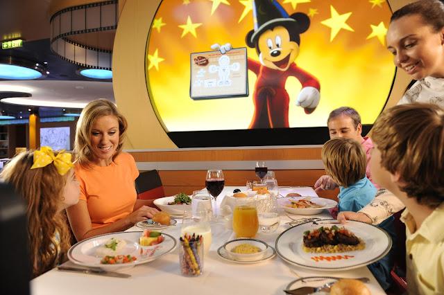 Cruzeiro Disney Fantasy Navio Restaurante