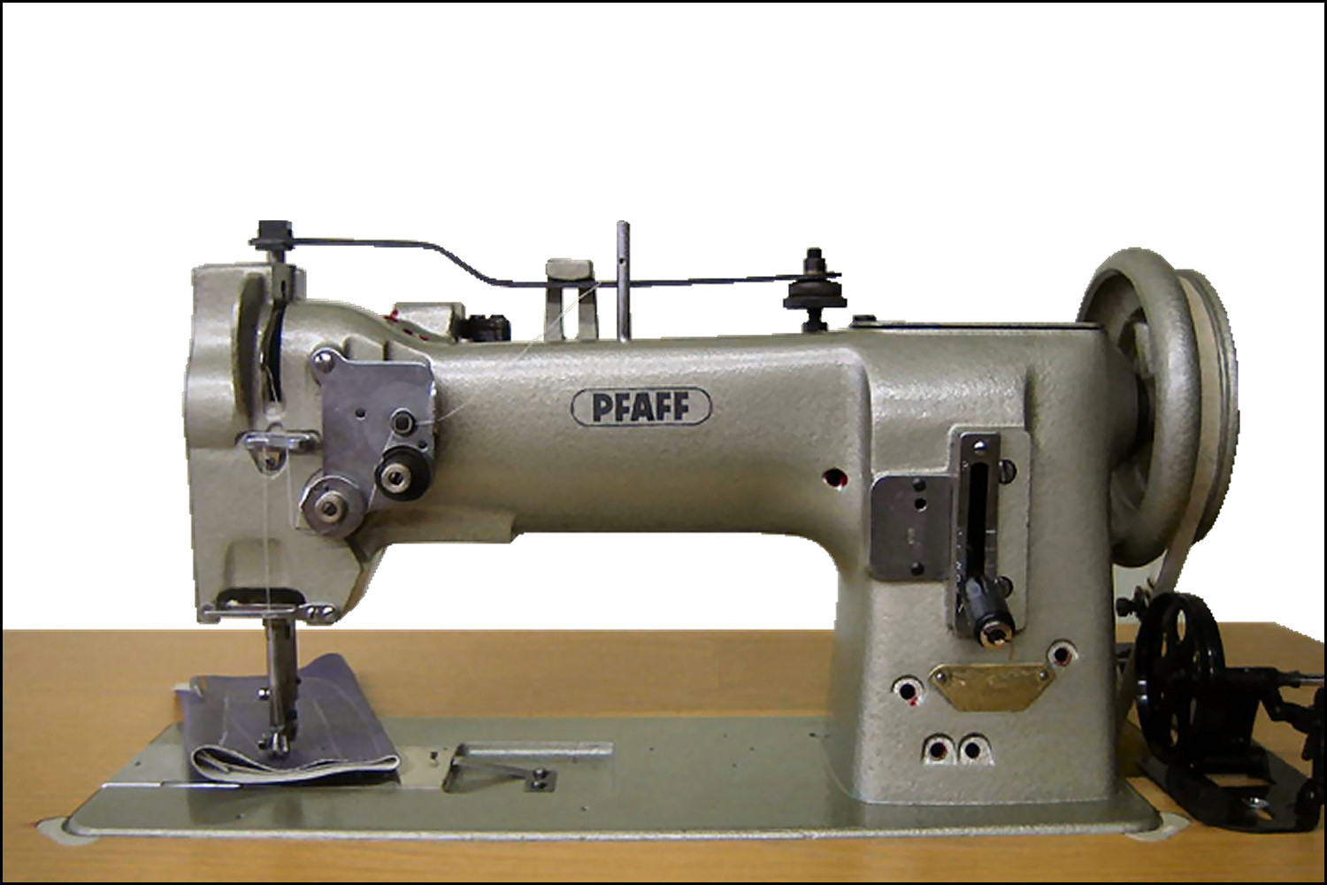 pfaff dating Can anyone tell me if a pfaff 130 sewing machine is worth anything i can't find the date on it the serial number is 4 656 206 i bought it last sat.