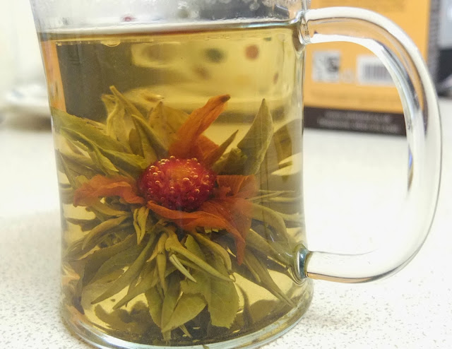 Flowering Tea and Mulled Rum. DIY ideas for glass bottles and jars.