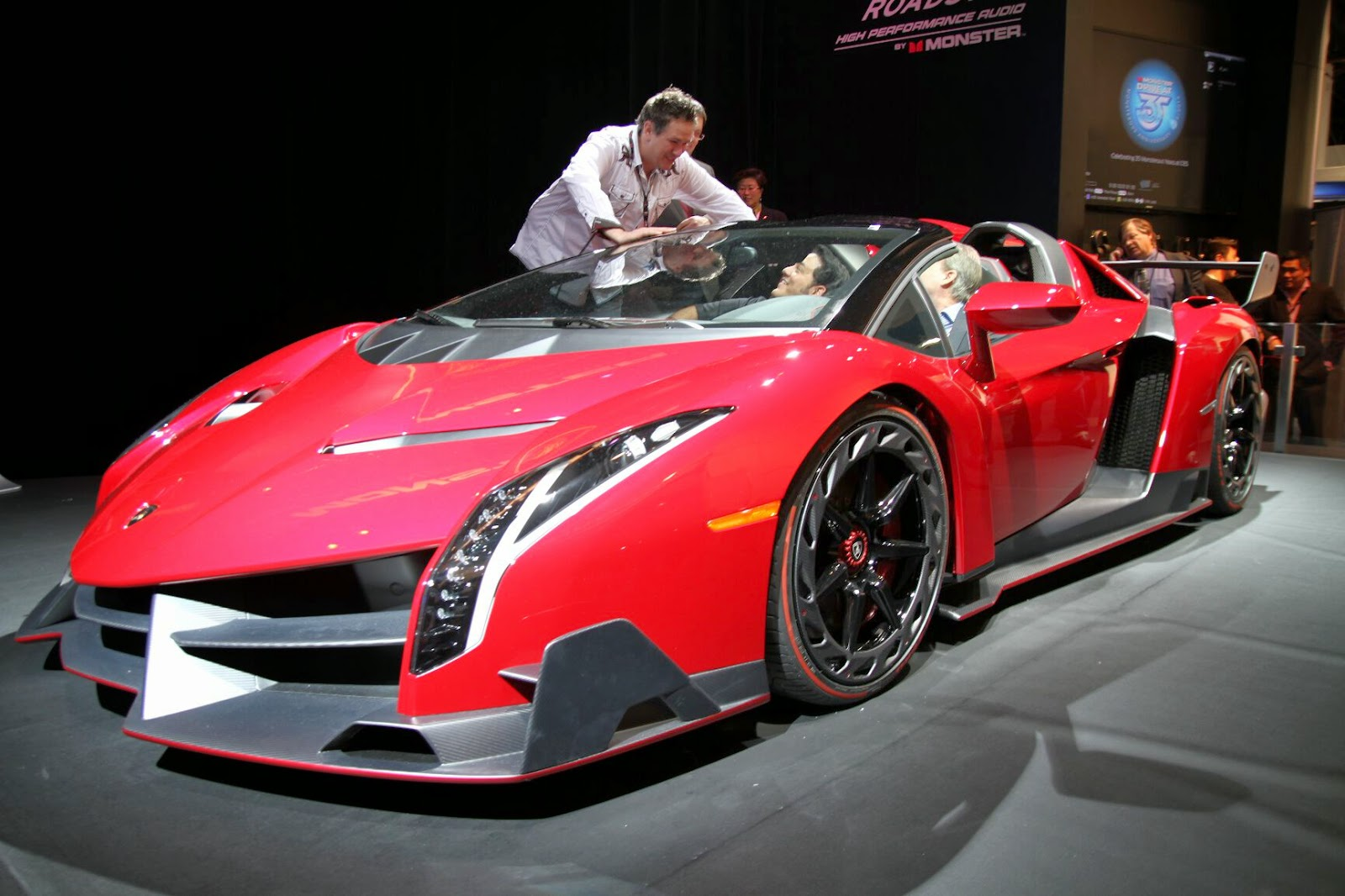 Lamborghini Veneno Roadster Review Techgangs