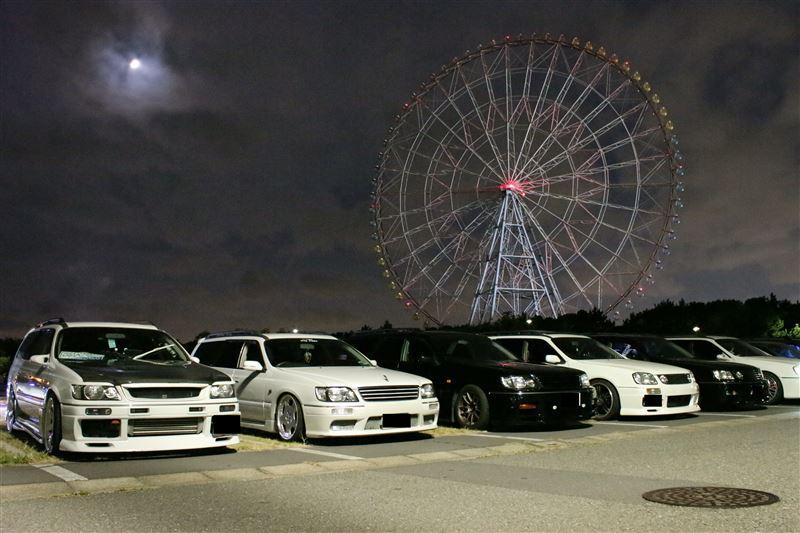 Nissan Stagea, najlepsze sportowe kombi, RB26, AWD, zdjęcia samochodów nocą