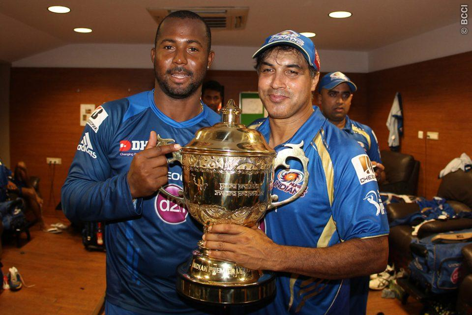 Dwayne-Smith-Robin-Singh-Celebrates-MI-Win-IPL-2013