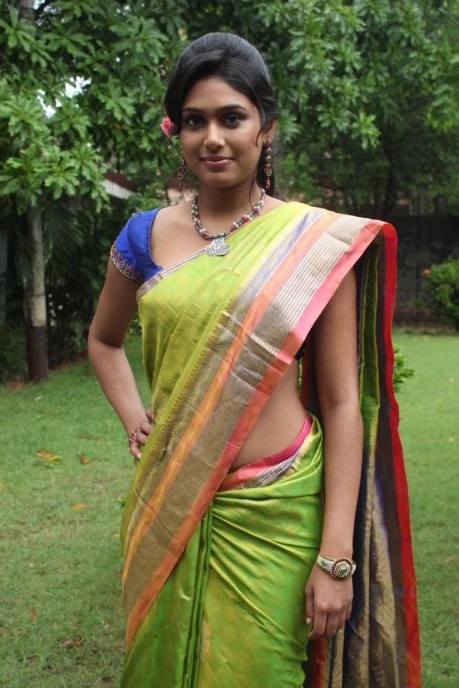 Kerala Sexy Teens Stills