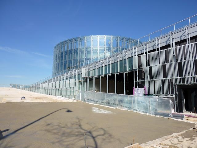AASB visita CREAA. Vista exterior Circo y terrazas transitables