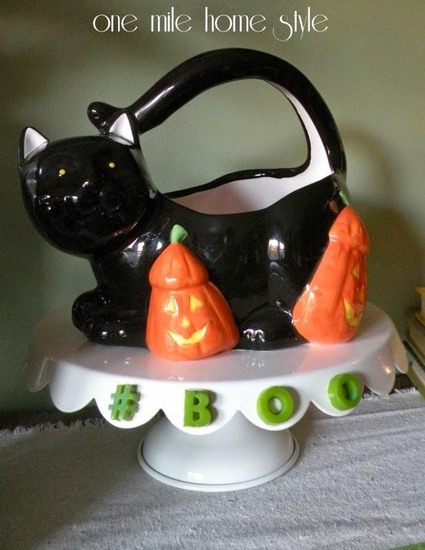 Mod Melts Halloween Candy Display