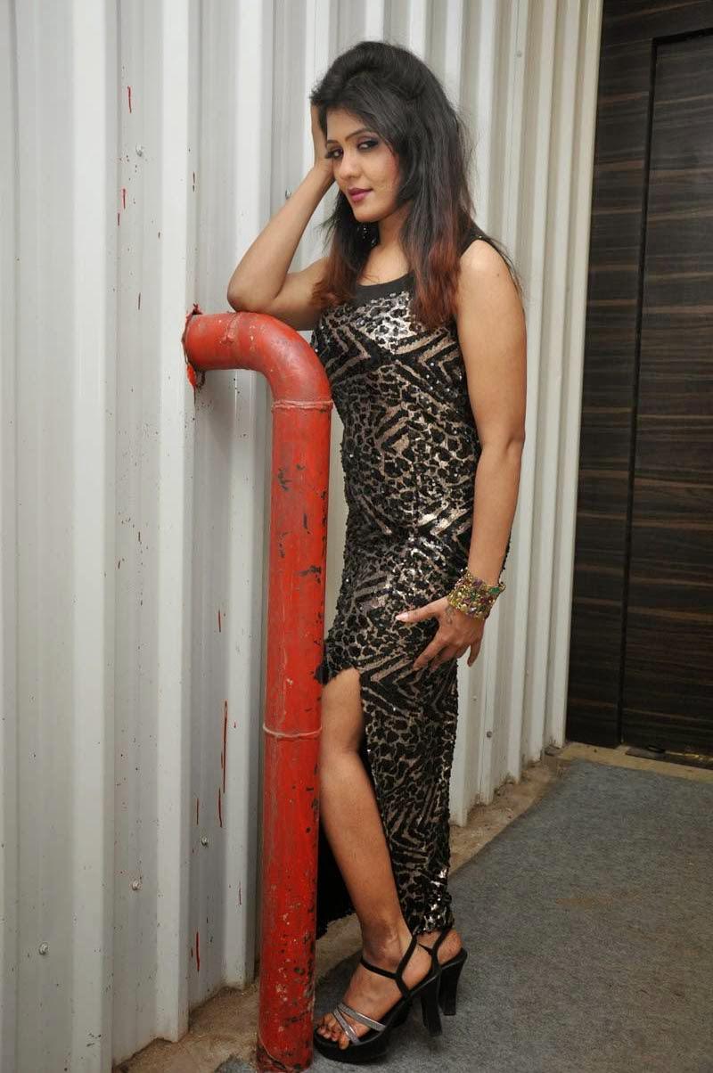 Kavya reddy glamorous photos-HQ-Photo-1