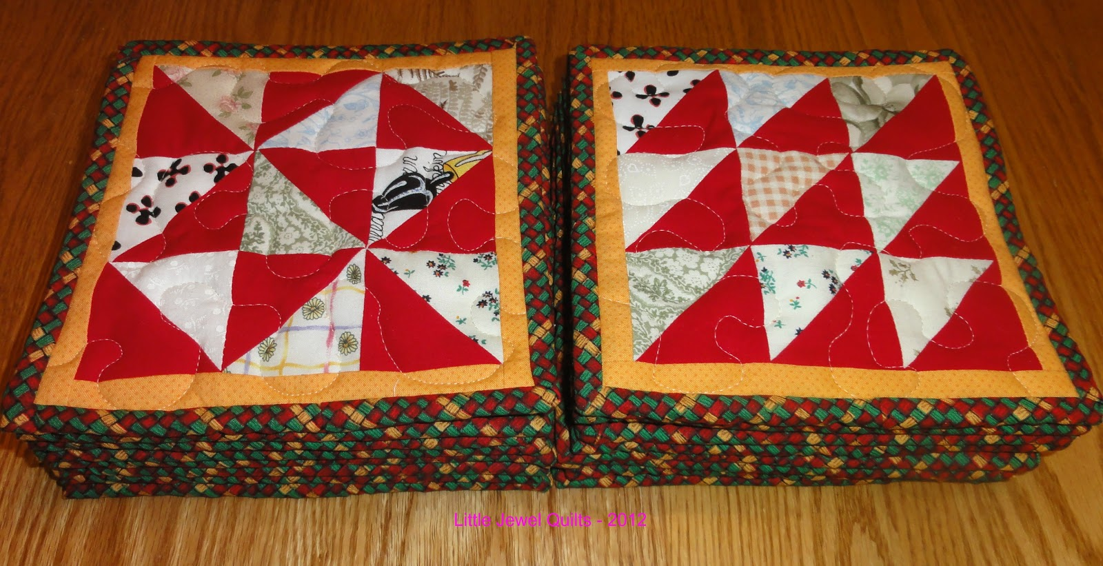 Little Quilts and Gifts Using Jelly Roll Scraps by Carolyn Forster (2015, Paperb