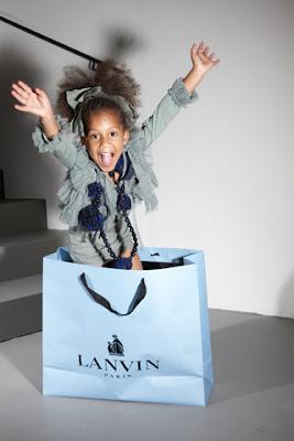 >Avec Lanvin Petite elle a tout d'une grande