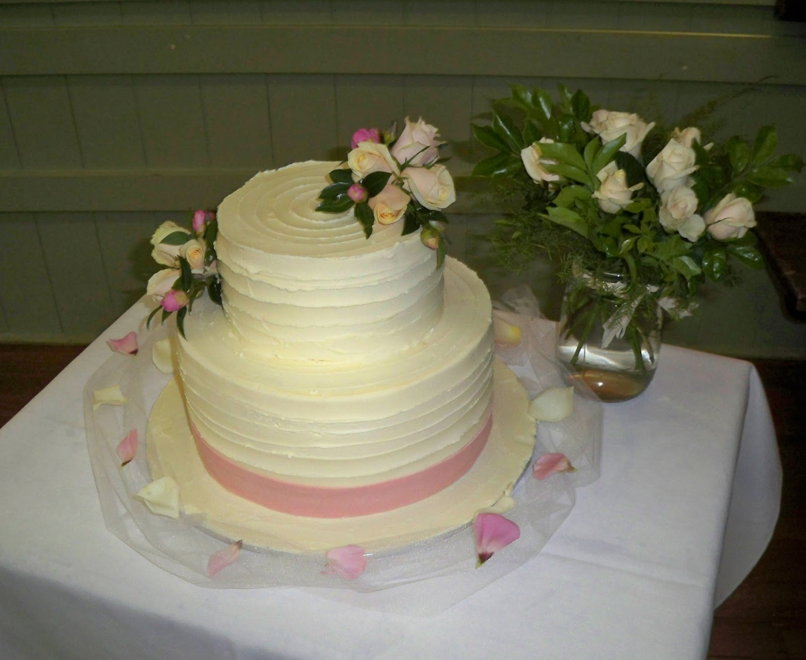 2 Tier Wedding Cake Images