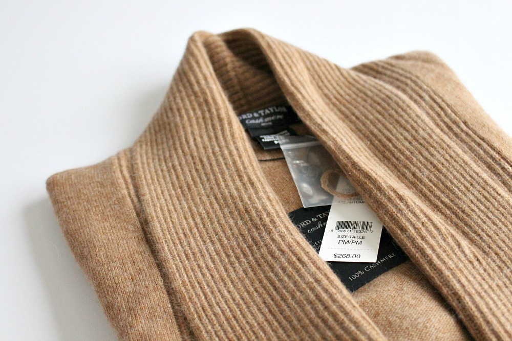 http://3.bp.blogspot.com/-YMlRu-62_Tw/VnCSZVajp7I/AAAAAAAAdag/J5Wv23HNjN4/s1600/cashmere%2Bsweater.jpg