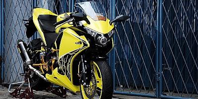 Modifikasi CBR150 R Dominasi Warna Kuning Terbaru 2014