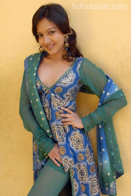 catherine tresa hot hd photos and cleavage stills   indian actress wallpapers photos and movie
