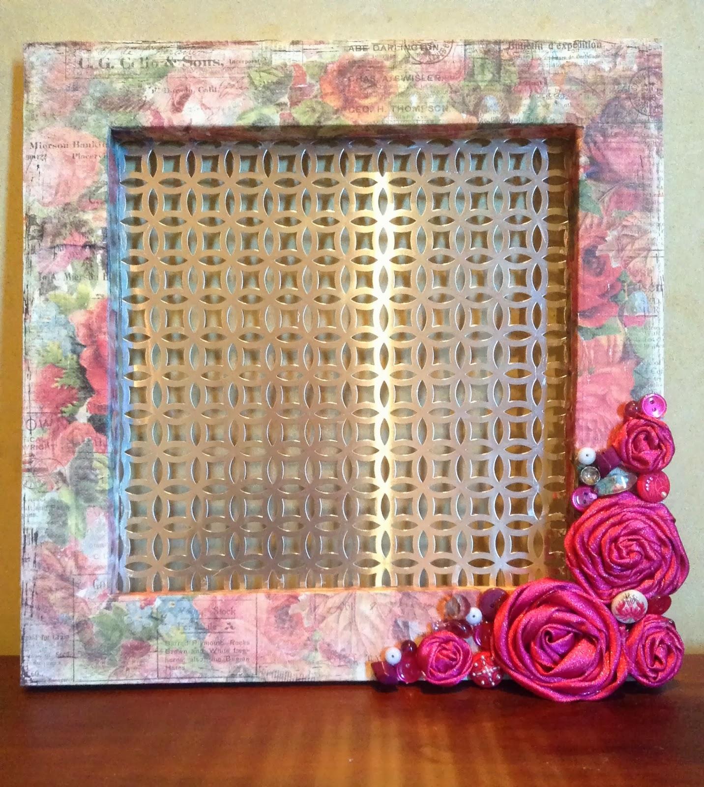 Make Your Own Jewellery Display Board: Willow Run Crafts' Blog: DIY Jewelry Display