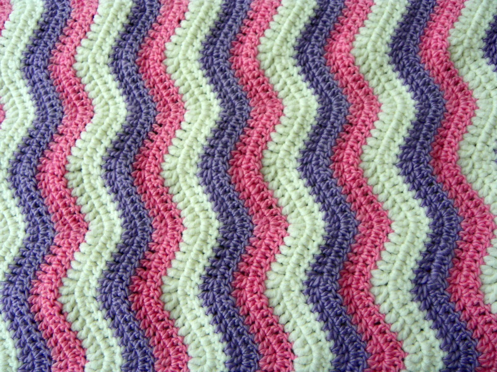Life in colour: Baby Ripple Blanket - ta-dah!