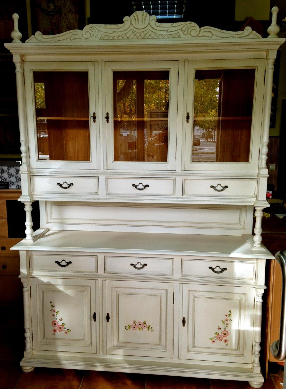 El taller de sarin blanco pintar un mueble aparador - Pintar puertas de blanco ...