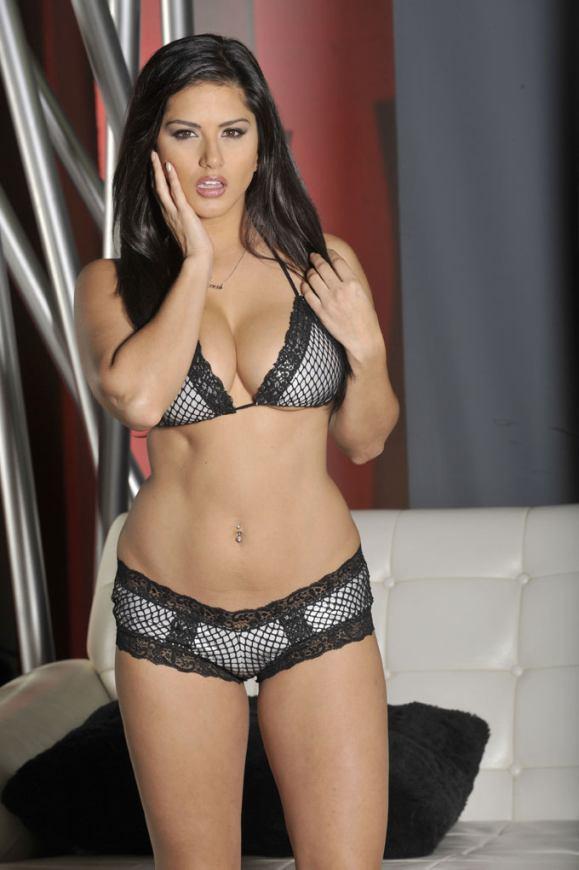 Sunny Leone HD Bikini Images