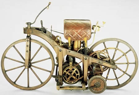 World's First Motorcycle (1885) - Daimler's riding car