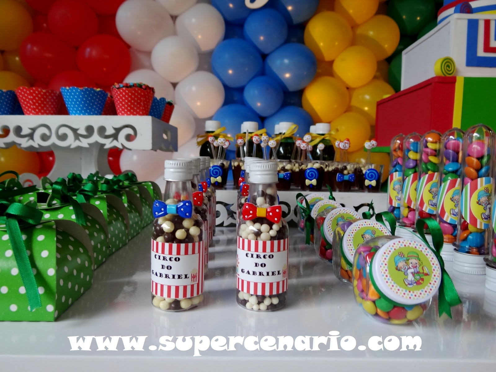 Super Festa Infantil Decoração Clean nas festas infantis Um estilo