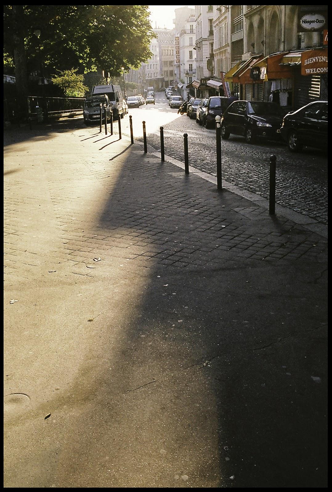 Walter beckham 39 s photo blog september 2011 - Place saint pierre paris ...