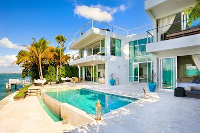 Fantastic And Beautiful Swimming Pools Beach Rest House