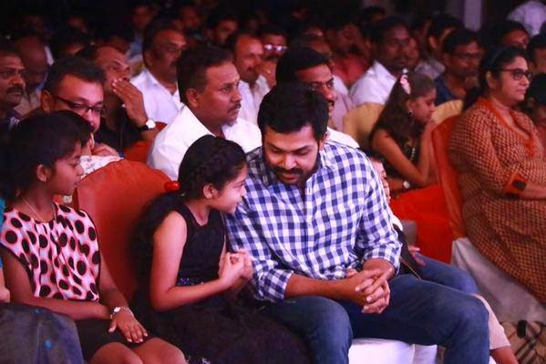 Diya-and-Karthi-Cute-Pictures-At-36-Vayadhinile-Audio-Launch-Stills