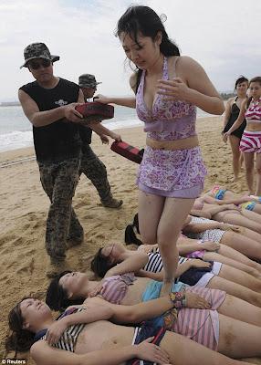 Koleksi Gadis Body Guard Cantik dan Sexy Dari China