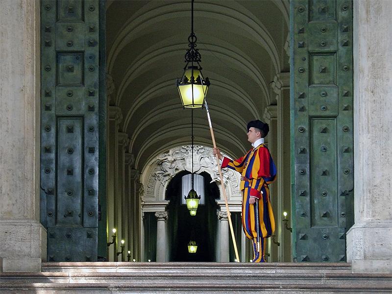Bon plans pour visiter le vatican bon voyage for Garde meuble geneve