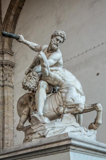 Hércules y el Centauro de Neso (Giambologna) :: Canon EOS5D MkIII | ISO200 | Canon 24-105@50mm | f/5.0 | 1/30s