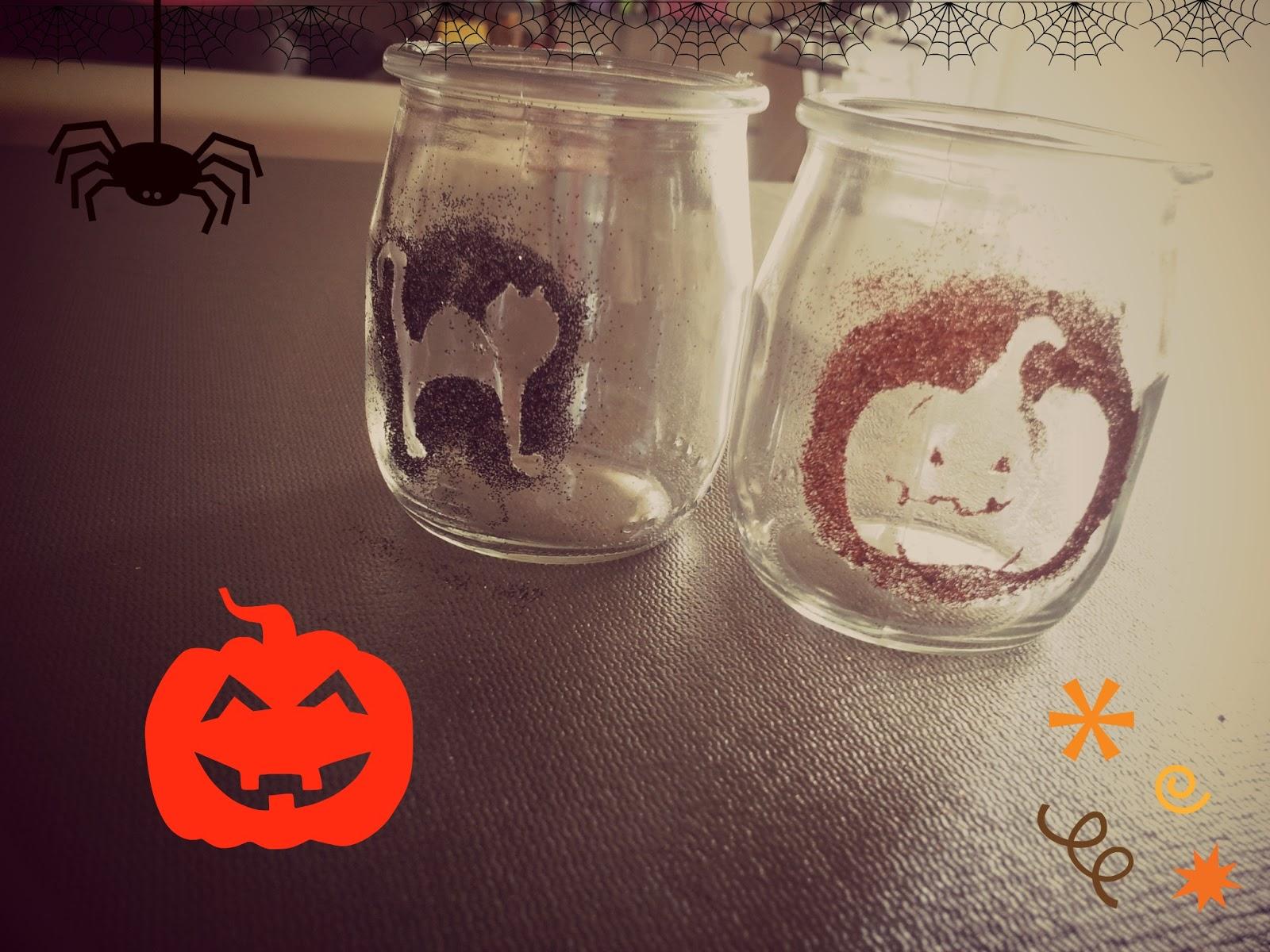 la vie d 39 une petite caille diy halloween photophore paillettes et pot de yaourt. Black Bedroom Furniture Sets. Home Design Ideas