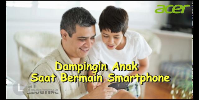 Dampingin Anak Saat Bermain Smartphone