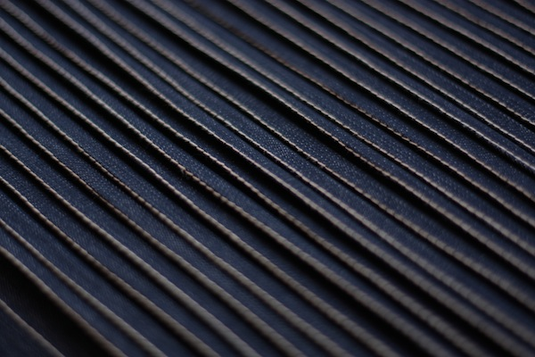 fabric manipulation · almohadón · 11 tablas planchadas · Ro Guaraz