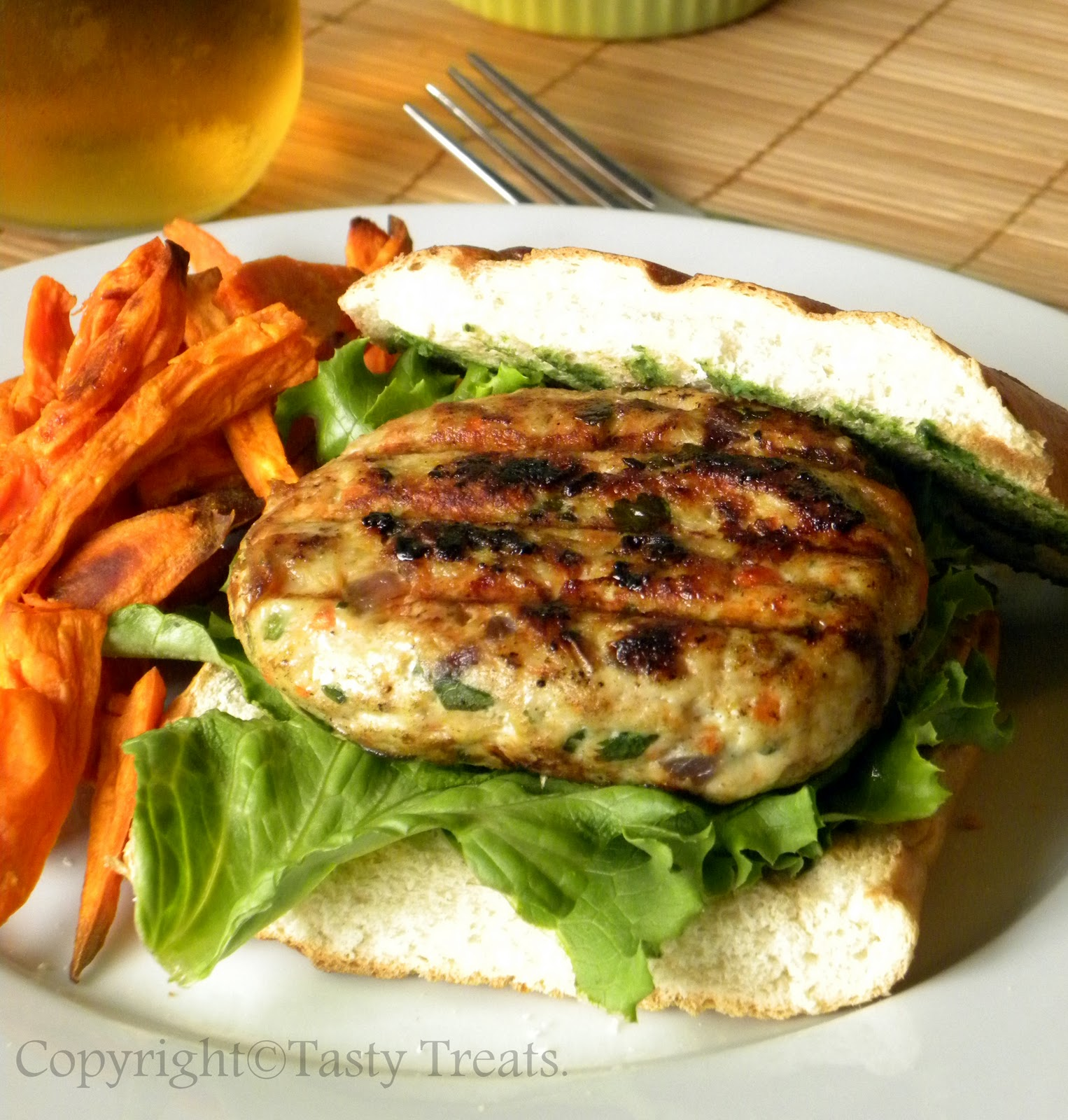 Tasty Treats: Turkey Burgers with Zucchini Tomato Yogurt Relish