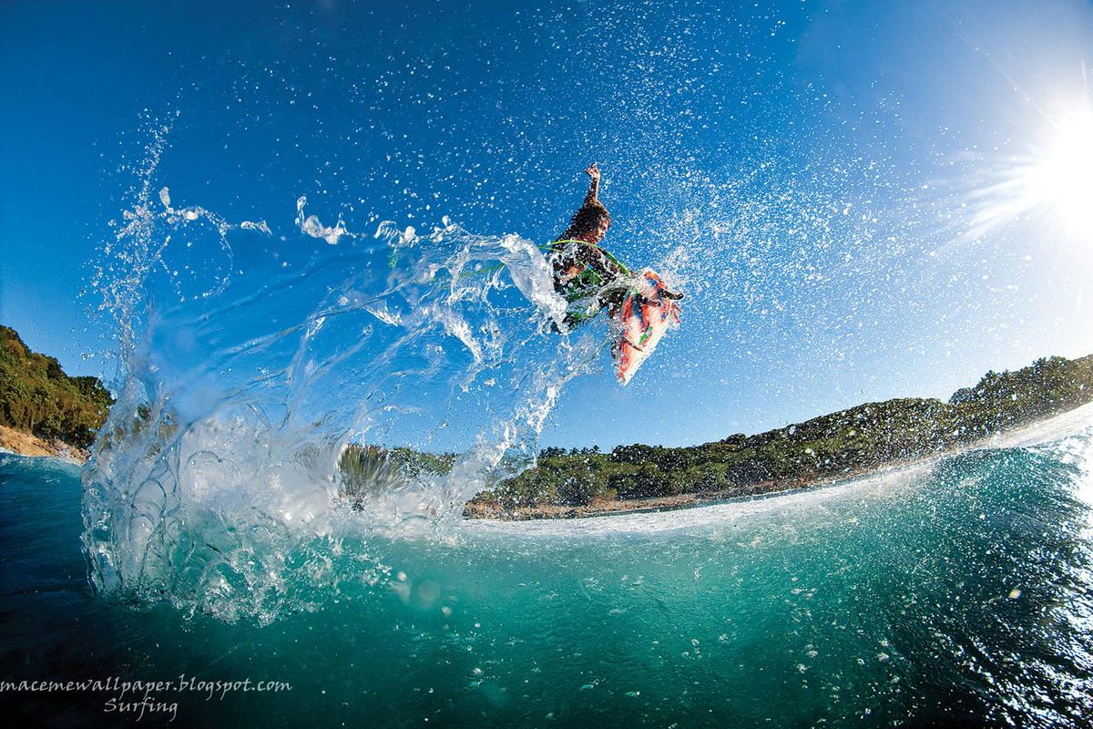 http://3.bp.blogspot.com/-YOvGYJrVwec/T6oWQjj4PpI/AAAAAAAACbQ/KXEB5t4-6xI/s1600/surfing+by+Maceme+Wallpaper+1.jpg