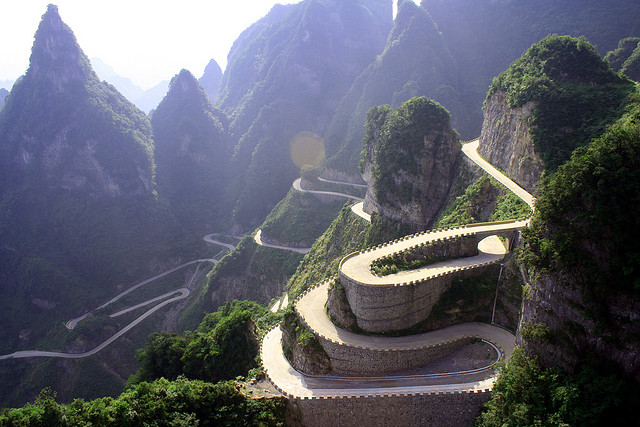 Zanimljivi putevi, staze, ceste Avenue+Toward+Heaven+Hunan+Tianmenshan+1