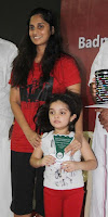 Ajith daughter Anoushka with trophy