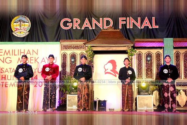 Dari Arena Grand Final Pemilihan Kakang Mbekayu Banyumas 2014 | Foto oleh : klikmg fotografer Jakarta