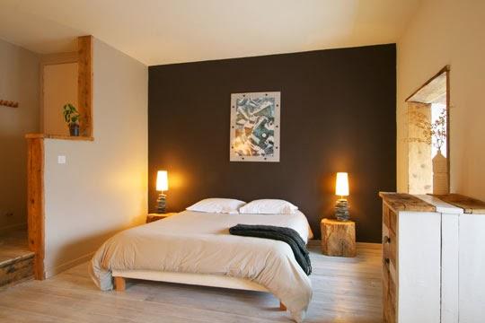 Dormitorios en marr n y crema dormitorios colores y estilos for Model de decoration de chambre