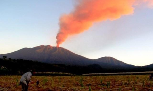 Erupsi Gunung Raung Tak berdampak pada Bandara Blimbingsari dan Bandara Notohadinegoro
