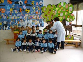 Los alumnos del Educación Infantil participaron con actividades de  cuentacuentos, canciones y fichas para colorear.