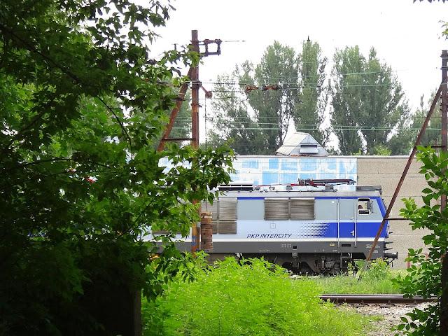 EP09-044