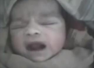 ajaib, bayi baru lahir sudah bertasbih dengan asma Allah