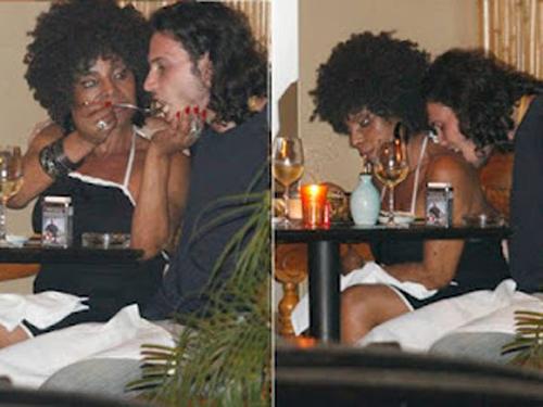 Elza Soares e Bruno Lucide diferença de 45 anos Bruno
